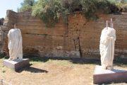 togati-statues